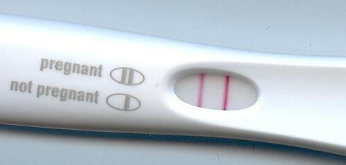 Dwie kreski na teście ciążowym oznaczają ciążę