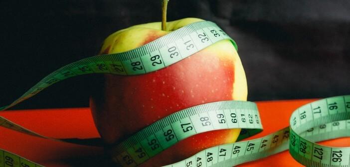 Czy ocet jabłkowy i acai sprzyjają odchudzaniu?