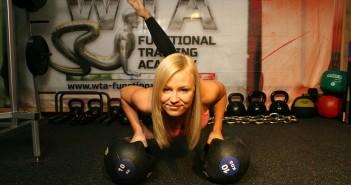 kiedy-ćwiczyć-siłownia
