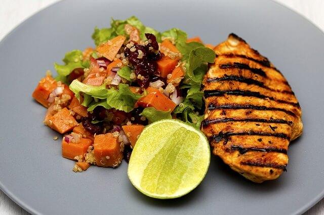 Dietetycznyy przepis na pierś z kurczaka
