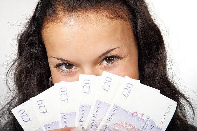 dziewczyna, młoda, nastolatka, praca, wypłata