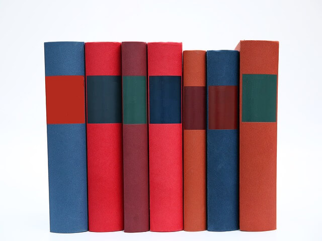 rząd książek