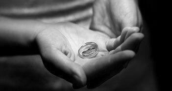 jak dobrać rozmiar pierścionka?