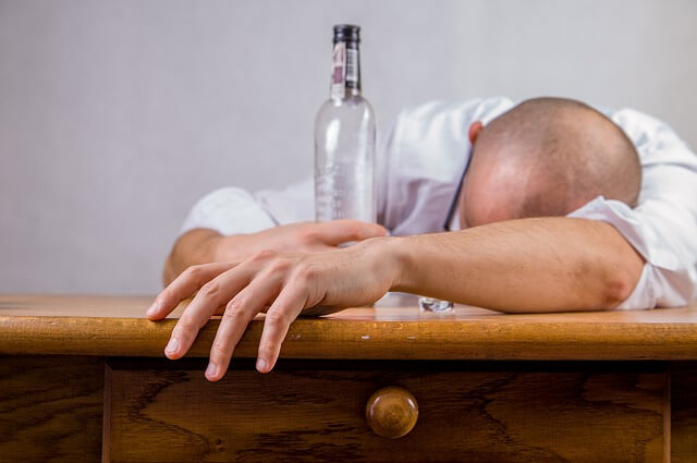 pijany człowiek