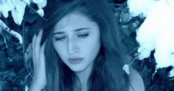 smutna dziewczyna