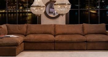 Luksusowa kanapa z brązowym obiciem