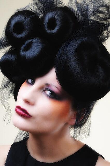 Kok to elegancka i gustowna fryzura