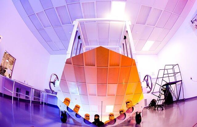 Lustro teleskopu Webba
