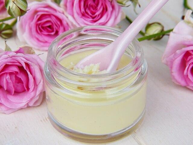czy kosmetyki naturalne muszą być drogie