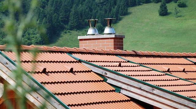 Widok na dach i komin