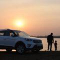 Samochód, zachód słońca