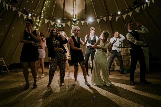 Zabawy podczas wesela